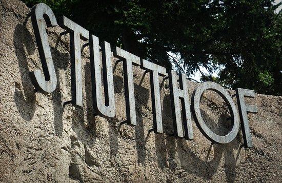 Sztutowo, Polen: Stutthof concentraton camp sign