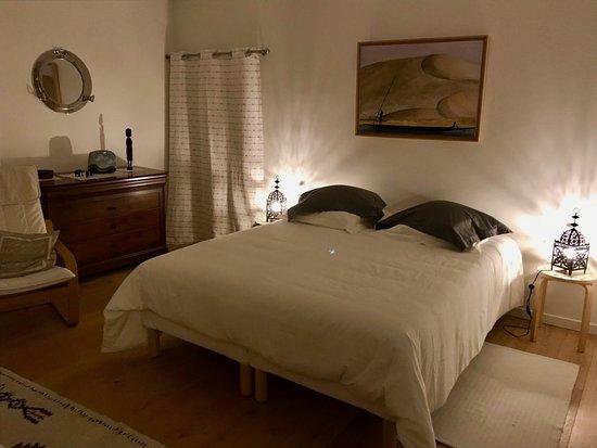 Becherel, Frankrig: La malouinière, 85€ pour 2 personnes - 100€ pour 3 personnes A voir sur notre site Internet: https://www.tylouveac.com