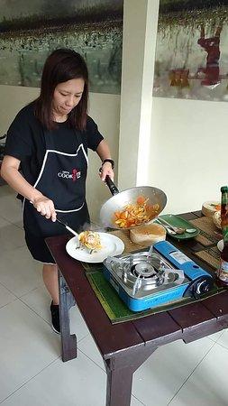Let's Cook Thai Cooking School