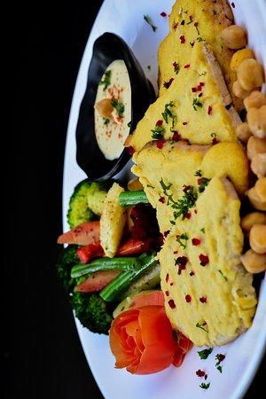 Instafit The Fitness Kitchen: Hummus crusted chicken