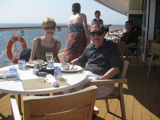 Viking Star: Outdoor Dining