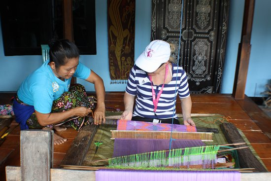 Pacific Jewel: learning to weave