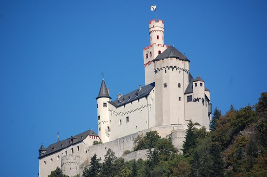 Viking Baldur: Castle along the Rhine