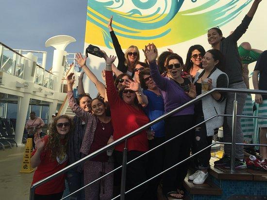 Norwegian Breakaway: Friends in December 2015 on the deck on Breakaway!!!