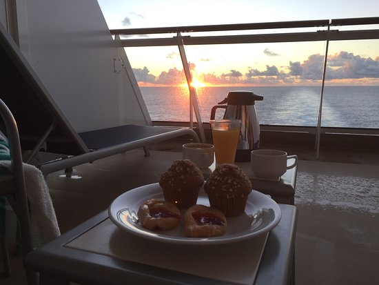 Norwegian Getaway: Morning coffee