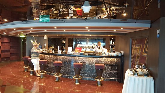 MSC Divina: Top Sail Lounge