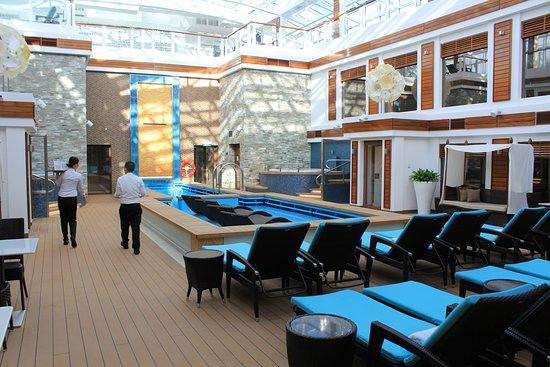 Norwegian Escape: Haven private pool, spa area