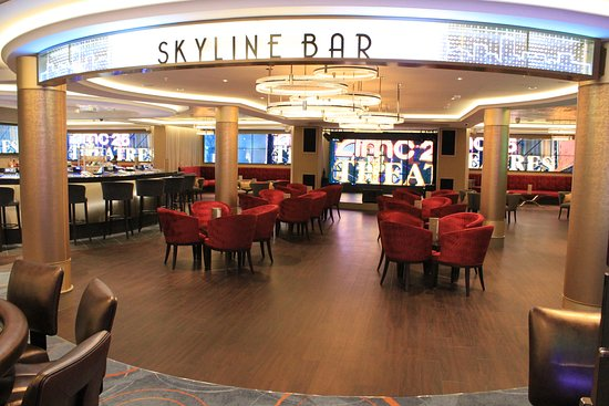 Norwegian Escape: Skyline bar