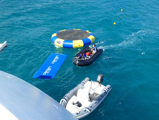 Star Legend: Floats behind watersports platform