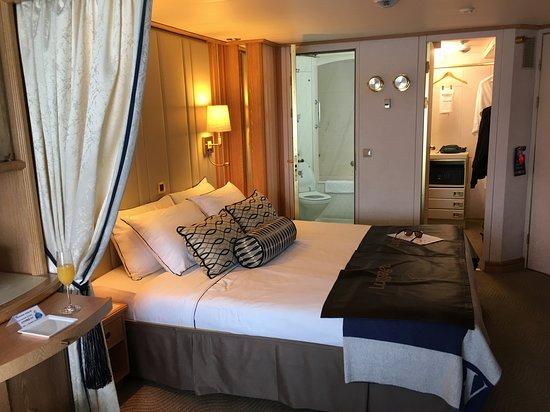 Star Legend: Cabin showing bath and closet