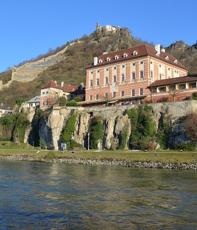 Viking Tor: Views along The Danube