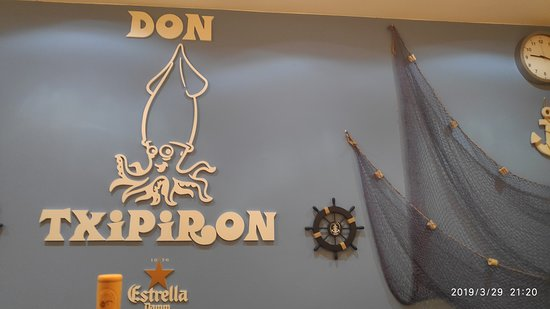 Don Txipiron: sobria decoración, crees que estás en un lugar sencillo, y lo estás, menos en el sabor de los platos, que son supremos