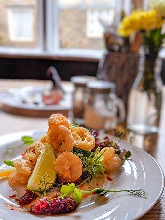 Salt & pepper calamari & king prawns