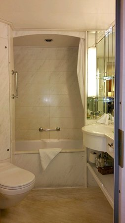 Star Legend: Our large bathroom with tub and shower