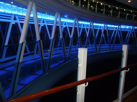 Regal Princess: seawalk at night