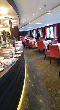 AmaCerto: Main dining room.