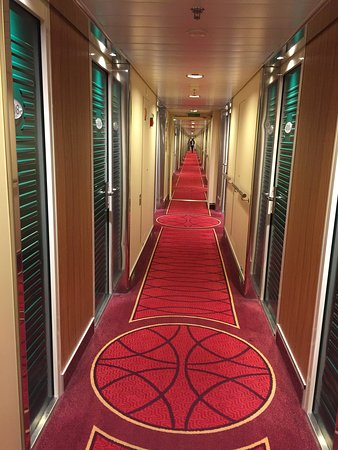 коридоры с каютами