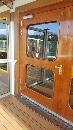 Costa Diadema: This door slammed shut on my fingers.