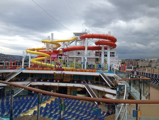 Carnival Vista: slides right above our room