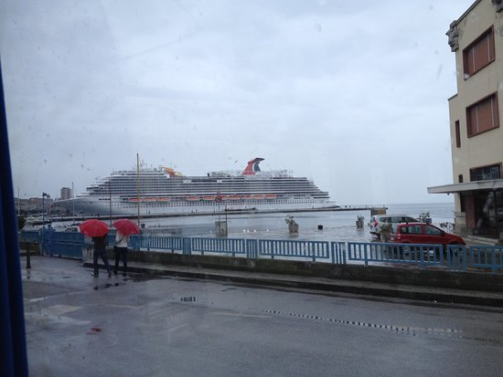 Carnival Vista: our first look at the Vista, on road to Trieste Italy