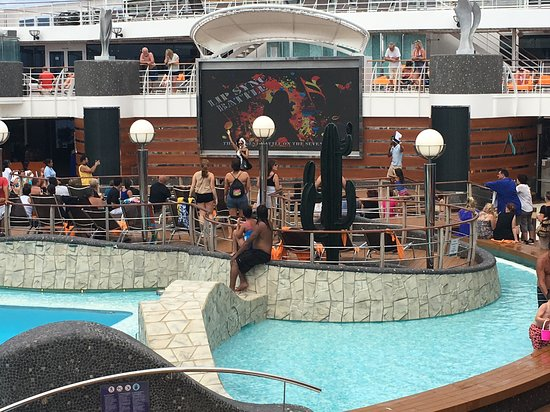 MSC Divina: Fun and games on sea day