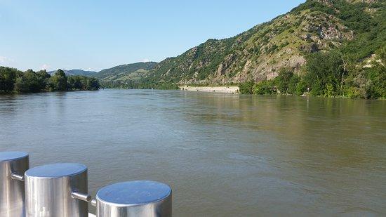 S.S. Catherine: Cruising up the Rhone river