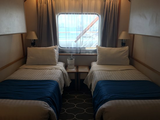 Empress of the Seas: Ocean view stateroom Deck 7