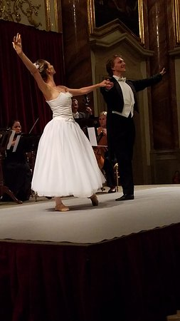 Scenic Amber: Ballet dancers at our private concert