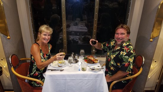Empress of the Seas: Dining in the Starlight dining room