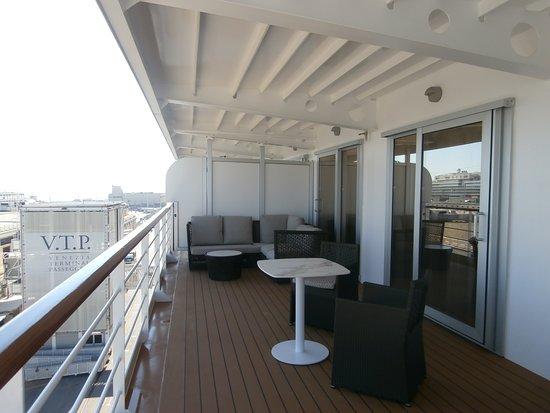 Seven Seas Explorer: SS Suite balcony