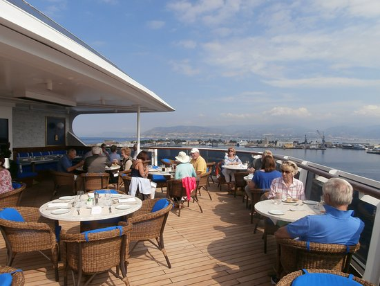 Seven Seas Explorer: La Veranda - lunch time al fresco dining