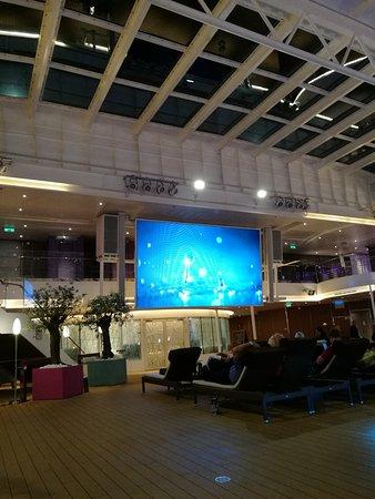 Koningsdam: Late night movies on Lido Deck