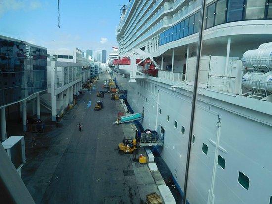 Norwegian Escape: Boarding the ship