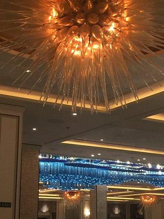 Seven Seas Explorer: Fabulous lightings and furnishings
