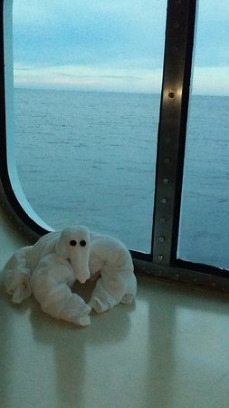 Carnival Breeze: Window unobstructed view