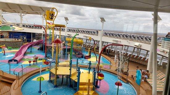 Harmony of the Seas: Children's pools