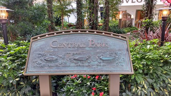 Harmony of the Seas: Central Park a quiet place to be!!