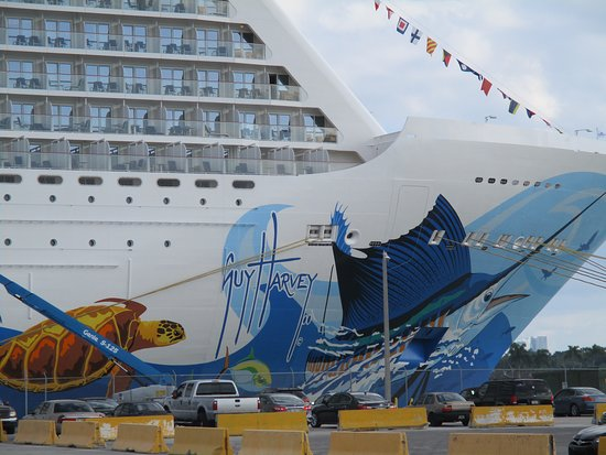 Norwegian Escape: The artwork on the ship