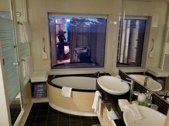 Norwegian Getaway: Bathroom in the 2 bedroom suite. Hooked on The Haven for life!!