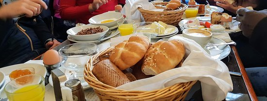 Cafe Louvre: petit déjeuner