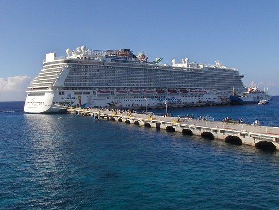 Norwegian Getaway: Docked at Cozumel