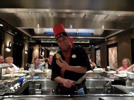 Norwegian Escape: Teppanyaki chef