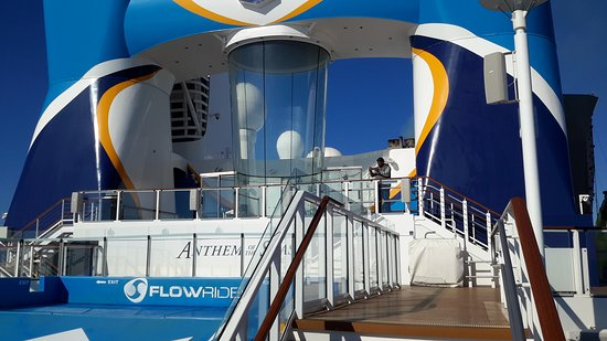 Anthem of the Seas: Flow rider n assimulator