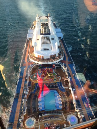 Ovation of the Seas: Shot from the Northern Star near Kangaroo Island