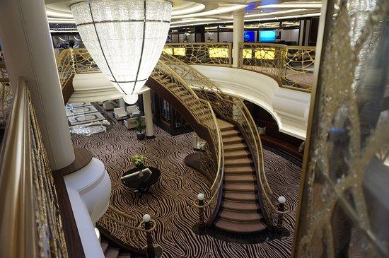Seven Seas Explorer: Atrium