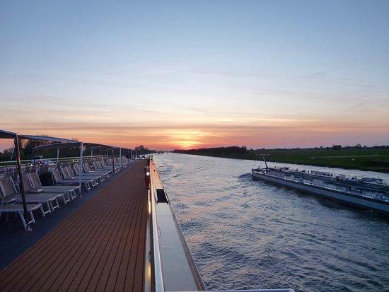 Avalon Impression: first evening cruising, departing Amsterdam
