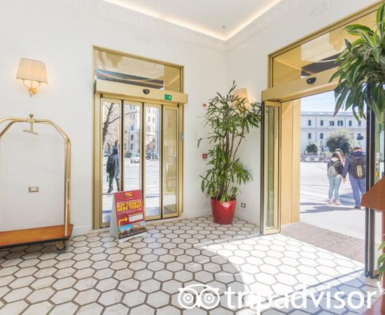 Entrance at the Hotel Milton Roma
