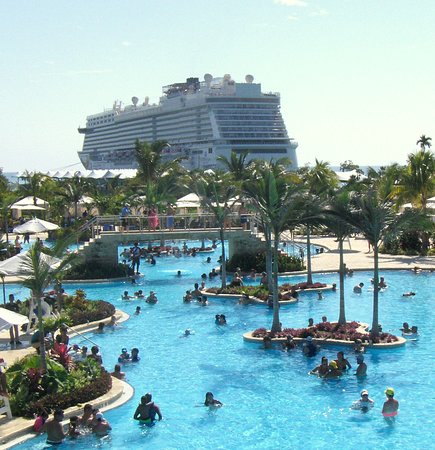 Norwegian Getaway: A little more view of the pool and cruise ship from the second floor of Land Sharks Grill, it seems like its flying over the pool!  These are my favorite pics!