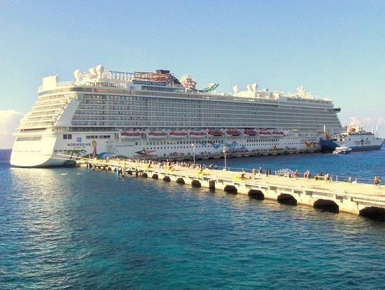 Norwegian Getaway: View of Cruise ship at Cozumel Port.