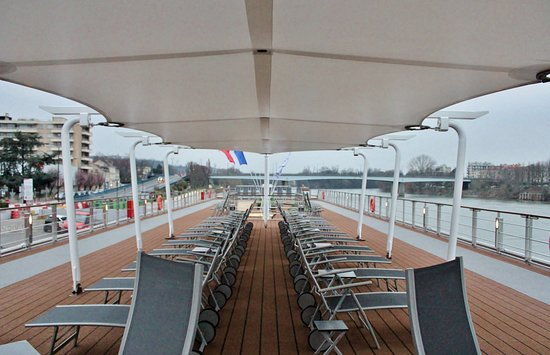 Viking Rolf: Top deck of the ship